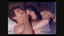 Kaçak Filminin Banyo Sahnesi