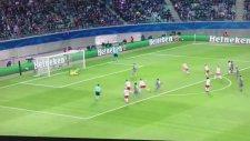 Alvaro Negredo'nun Leipzig'e penaltıdan attığı gol