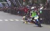 Motosiklet Yarışında Yere Düşen Pilotun İntikamı