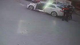 Bıçakla Saldırıp Dayak Yiyen Motorcu