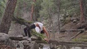 Ormanlık Alandaki Yoga Aşkı Derede Bitti