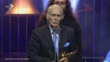 Harun Kolçak'ın Altın Kelebek Ödülünü Babası Eşref Kolçak Aldı
