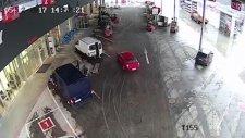 Hırsızları Kapana Kıstıran Forklift Operatörleri