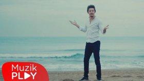 Efekan - Pazartesileri Hiç Sevmiyorum (Official Video)