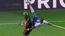 Quaresma'nın Bayern'i 7 Dakika İçerisinde  2 Kez Yıkması