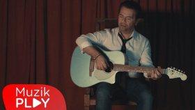 Bora Öztoprak - Cümle Yalan (Official Video)