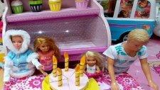Barbie Chelsea Ve Ken Kafeye Gidiyorlar Ve Doğum Günü Kutluyorlar. Elifin Videosu