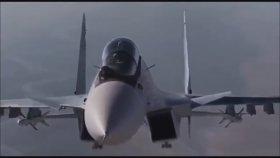 Kargo Uçağına Yaklaşıp Selam Veren Jet Pilotu