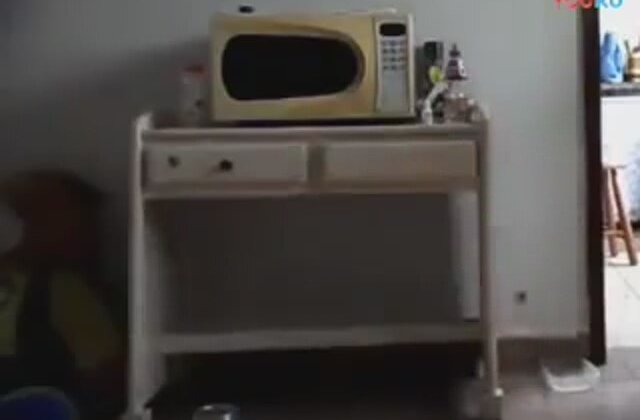 Old Microwave Oven ~ Rather old microwave oven İzlesene