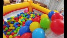 Salondan 2000 Topu Zıpzıp Havuzun İçine Topluyoruz.çok Yorulduk Çok Eğlendik
