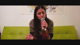 Ayda Mosharraf - Beni Çok Sev
