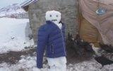 Hindilerini Kardan Adamlarla Koruyan Yurdum İnsanı