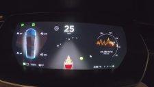 Tesla'dan Sürücülere İnanılmaz Yeni Yıl Sürprizi Noel Baba Modu!