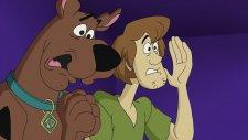 Scooby Doo Maceraları - Komedyen Sihirbaz