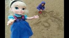 Elif ve Karlar Kraliçesi Elsa İçin Yemek Vakti. Aralık Ayazında Plajda Gezinti