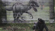 Ormanın Ortasında Aşırı Gerçekçi Graffiti