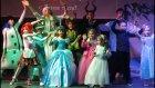 Elif ve Tiyatro Grubunun Rusça Yeniyıl Oyunu