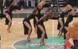 Litvanlalı Amigo Kızların 007 James Bond Gösterisi