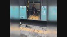 Halk Otobüsü Şoförünün Tinerci İle İmtihanı