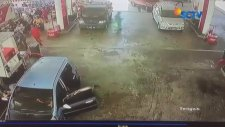 Benzin İstasyonunda Cep Telefonu Nedeni ile Patlama