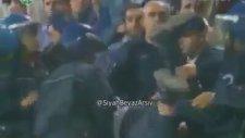 Gol Sevincinden Sonra Fenalaşan Taraftarı Polis Dövdü