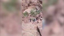 Turistler Yukarı mı Çıkıyorlar Yoksa Aşağı mı İniyorlar