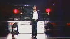 Michael Jackson - Man in the Mirror canlı performansı ve Wembley konserinin kapanışı (1988)