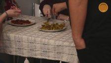 Gözlüklü ve Sakallı ile Öğrenci Evi: Lezzetli Diyet Yemeği Olur mu?