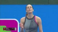 Verilen Arada Dans Ederek Coşan Tenisçi Andrea Petkovic