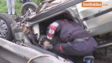 Tem Otoyolu'nda Takla Atan Otomobilin Yaralı Sürücüsü Eşi İçin Yardım İstedi