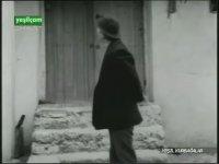 Yeşil Kurbağalar - Yıldıray Çınar & Sezer Güvenirgil (1970 - 77 Dk)