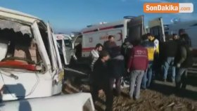 Bursa'da Feci Kaza...servis Minibüsünün Taklalar Attığı Kaza Kamerada