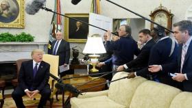 Donald Trump, CNN Muhabiri Jim Acosta'yı Oval Ofis'ten Kovdu