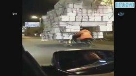 Kamyondan Fazla Yük Taşıyan Motorsiklet