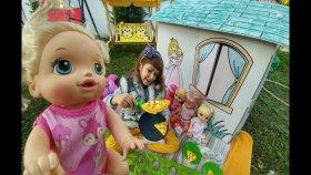 Prenses Oyunevini Bahçeye Çıkardık. Elif Bebişlerle Bahçede Piknik Yaptı. Baby Alive Lisa Minik