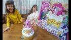 My Little Pony Sürpriz Pasta Oyunu, Mumları Yak Pastayı Kurtar, Toys Unboxing