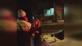Alkollü Kadın Doktorun Polislere Tehdit Savurması