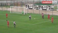 Hakem Hatalı Penaltı Verdi, Altınordulu Genç Futbolcu Topu Taca Gönderdi