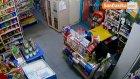 Sultanbeyli'de İki Ayrı Marketten Para Çalan Çocuk Hırsızlar Kamerada