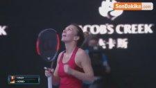 Avustralya Açık'ta Wozniacki'nin Rakibi Halep Oldu