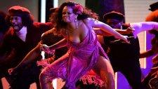 Rihhanna'dan Grammy Gecesinde Vahşi Performans