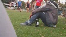 Eyfel'in Dibinde Şarapla Efkarlanmak - Efkar İçerir