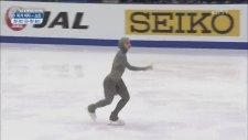 Buz Pateni Yapan Türbanlı Sporcu