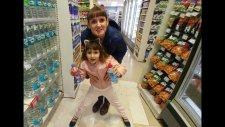 Alışverişteyiz. İçecek Challenge İçin Ayran Kefir Milk Shake Kola Alıyoruz