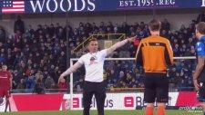Matej Mitrovic'in Maçında Taraftardan Hakeme Kırmızı!