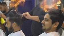 Hindistan'da Saç Yakmalı Kesim