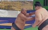 Ağır Çekim Görüntülerle Sumo Güreşi