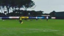 Napoli'den antrenman maçını kaybeden takıma ceza