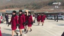 Kış Olimpiyatları İçin Güney Kore'ye Gelen Kuzey Koreli Ponpon Kızlar