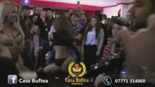 Çingene Kızların Dans Gösterisi